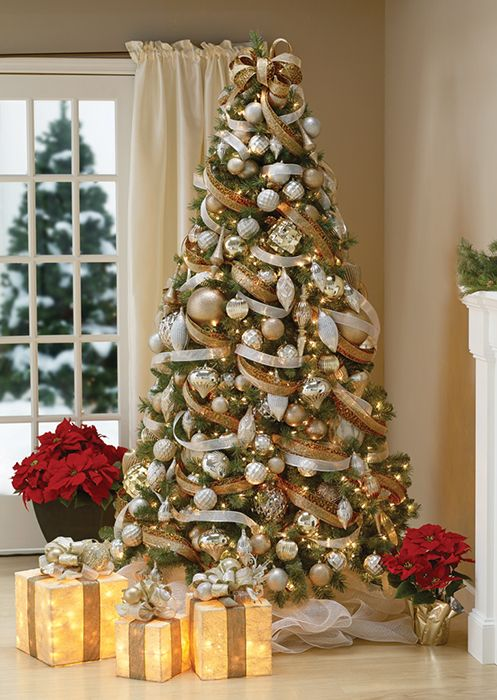 beautifully decorated tree - How To Decorate A Christmas Tree Like A Professional